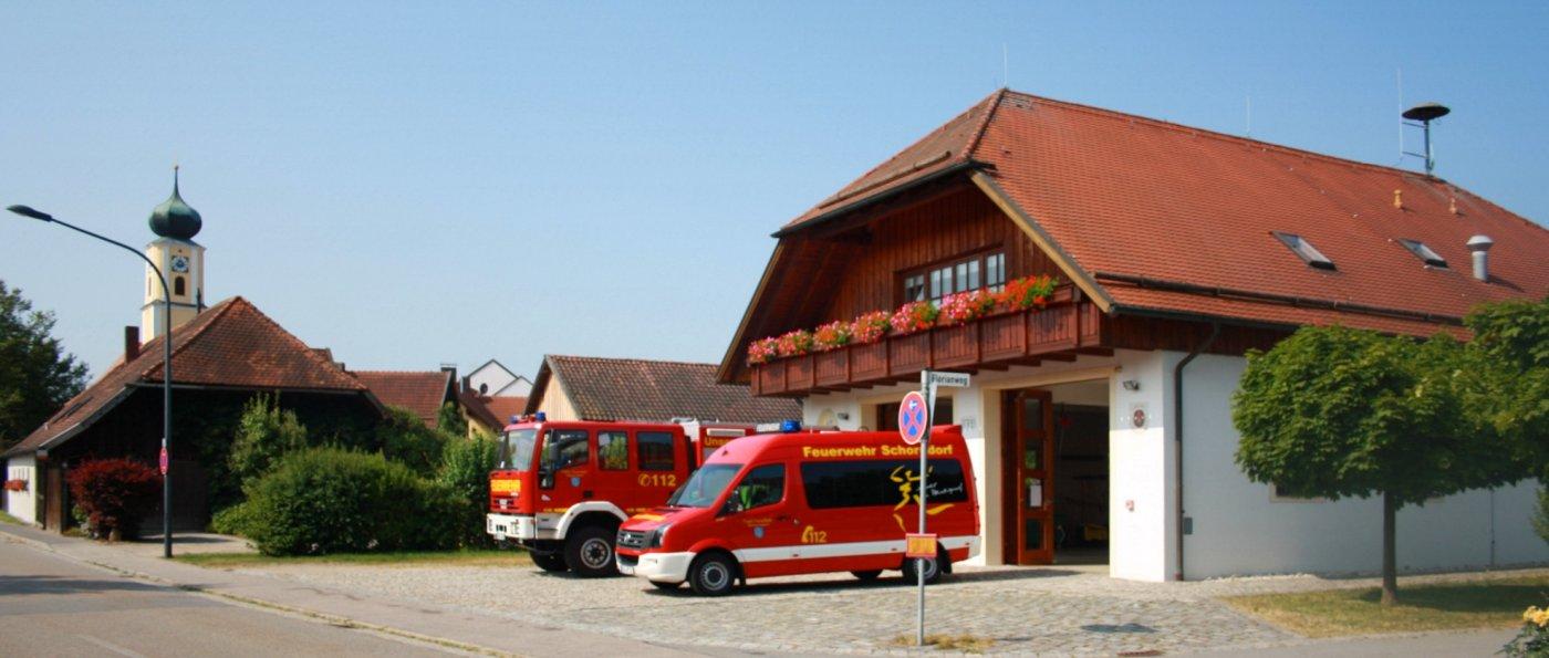 ffw-schorndorf-feuerwehrfahrzeuge-kirche-dorf-cham-oberpfalz