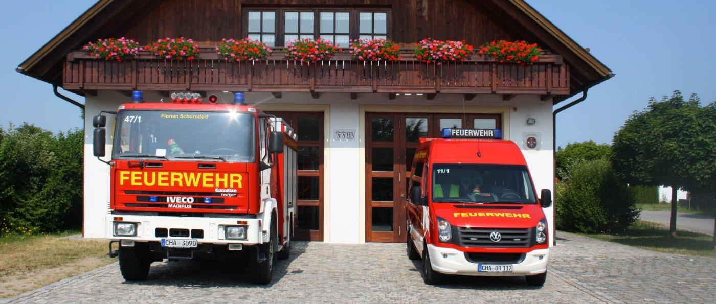 ffw-schorndorf-feuerwehrhaus-cham-feuerwehrfahrzeuge